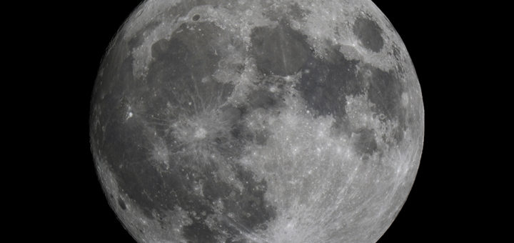 The moon about 9 hours before its closest approach to earth since the 6th January 1948.